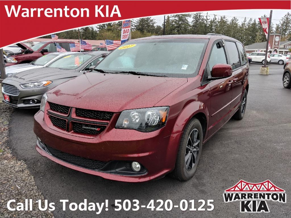 Pre-Owned 2017 Dodge Grand Caravan R/T